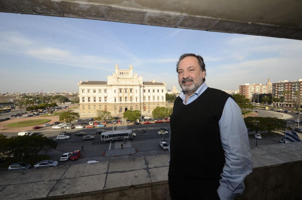 Jorge Gandini, Diputado Blanco:  Hay una frontera con el Frente Amplio que está en disputa