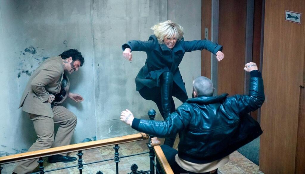 Charlize Theron, Insuperable heroína de acción