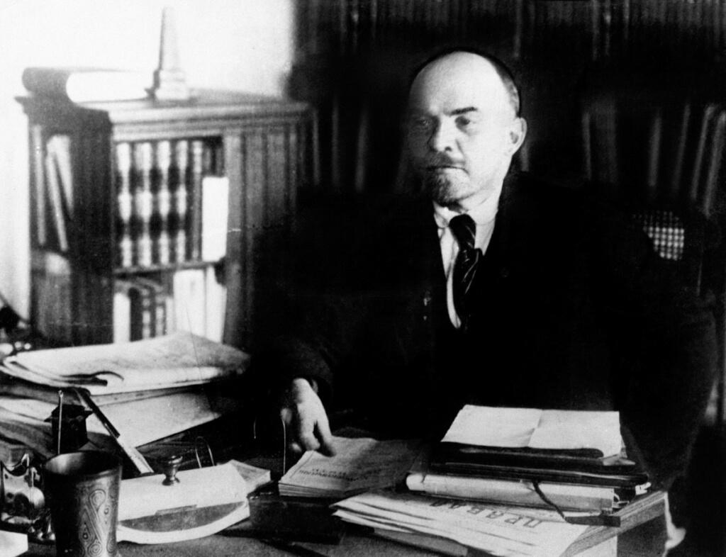 1917-2017: reflexiones y perspectivaspor Julio A. Louis