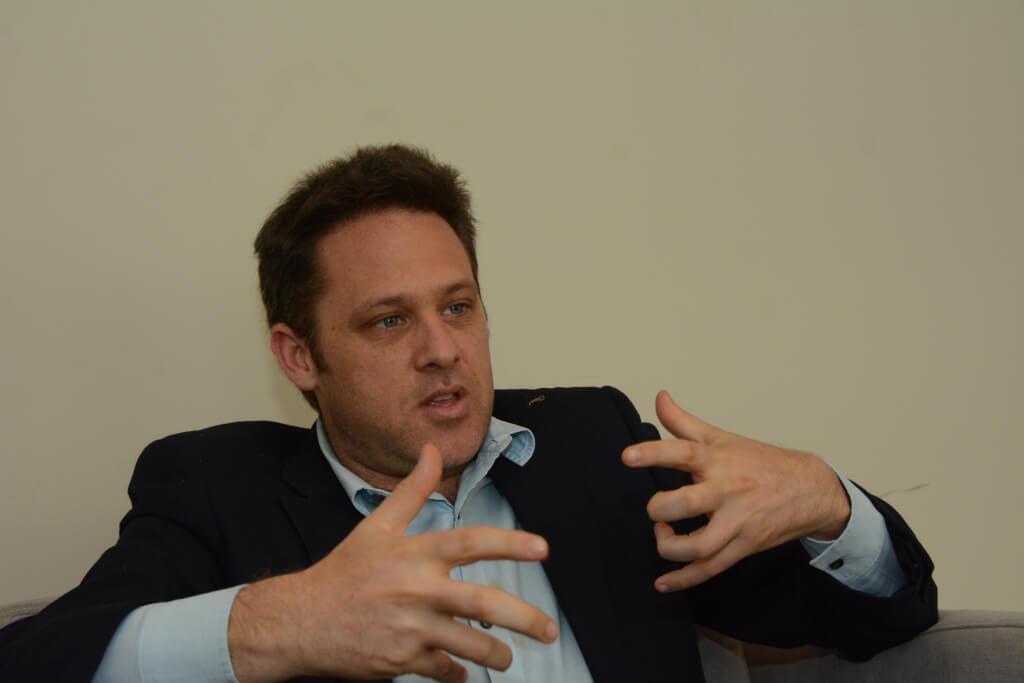 Martín Sivak, periodista y escritor argentino: El partido judicial es un grupo de jueces y fiscales que administran justicia leyendo los diarios