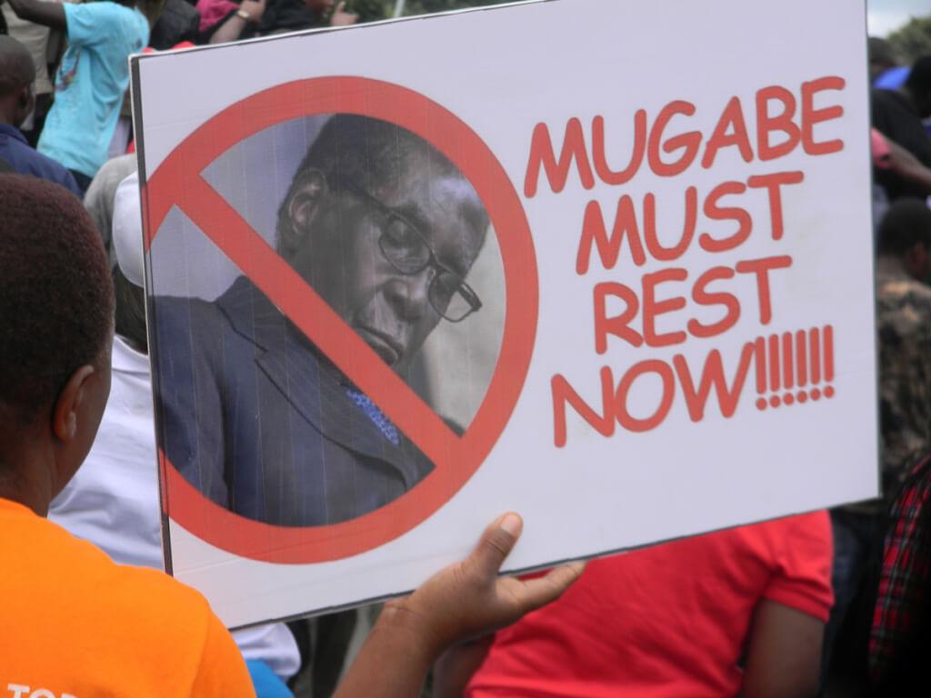 Zimbabue sin Mugabe pero con China  porRuben Montedónico