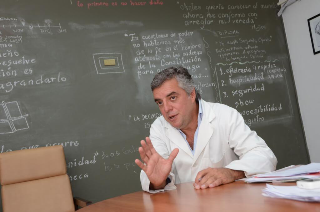 """Álvaro Villar, Director del Hospital Maciel  """"Hay que discutir cómo evitamos tirar plata en salud"""""""