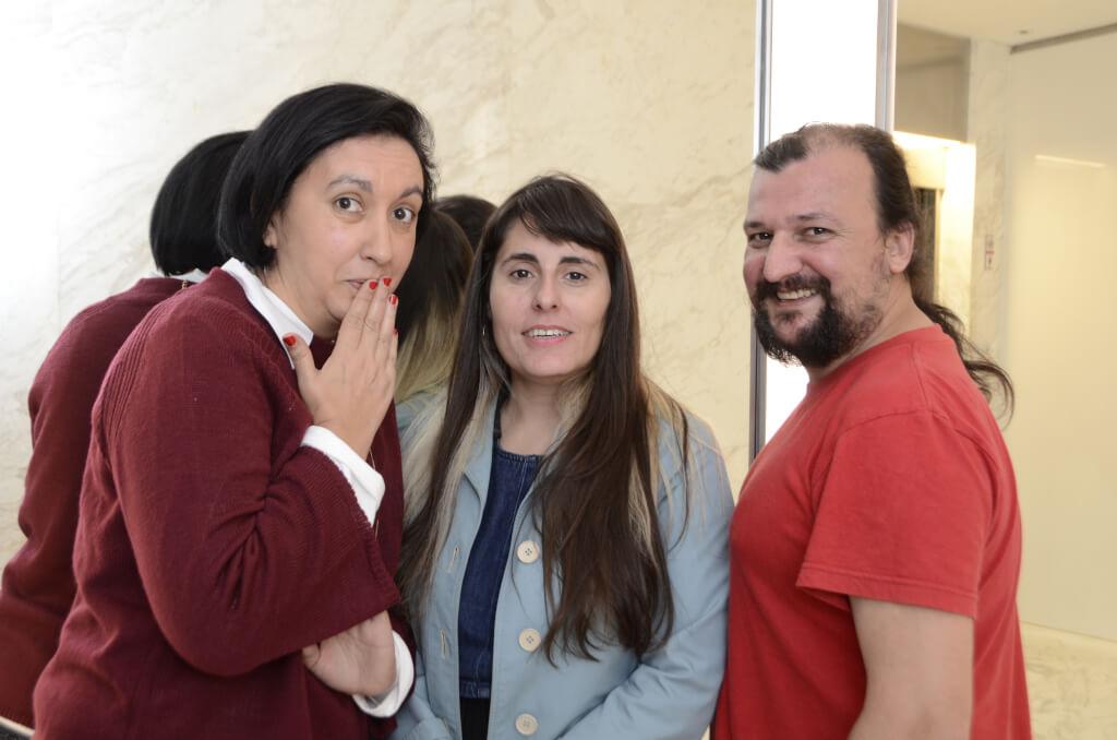 María Rosa Oña, Laura Falero y Diego Vignolo, Comediantes de Stand up:  El humor es supervivencia, no se va a morir nunca.