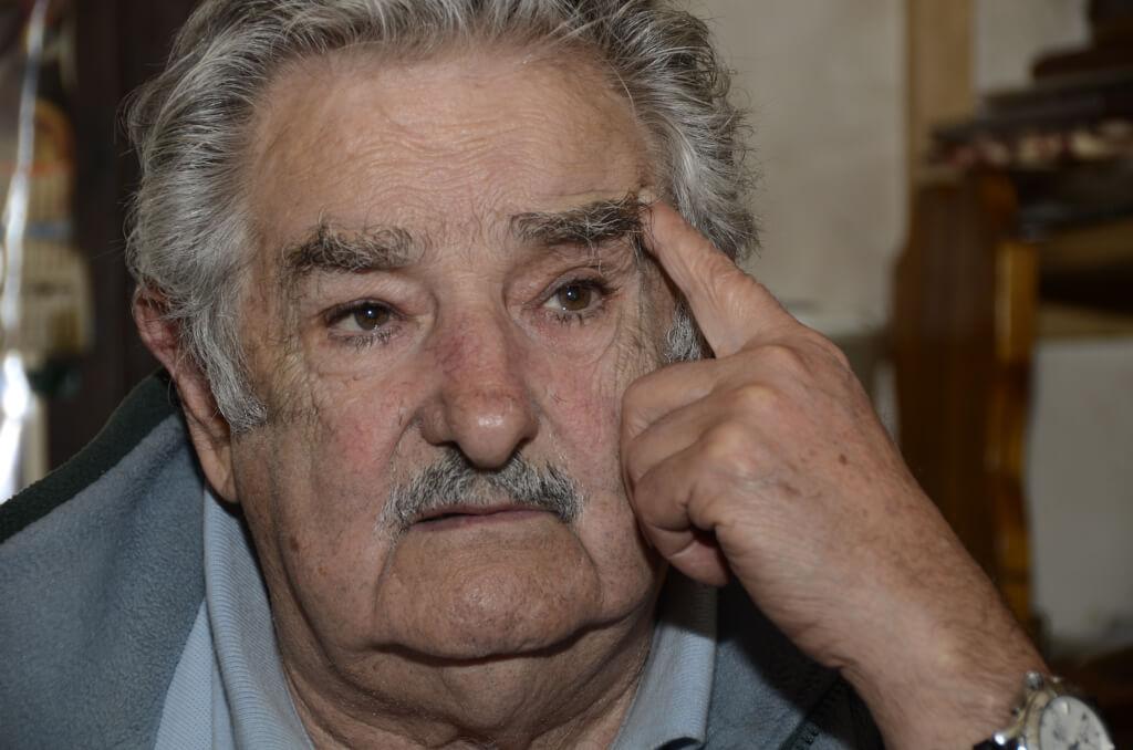 Las palabras y los dirigentes políticos educadores por Ignacio Martínez