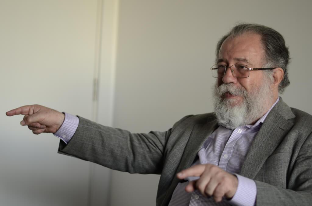 Leonardo Carrión, diplomático ecuatoriano:  «Correa creía que Moreno era un pelotudo»