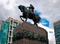 monumento-general-jose-artigas-2