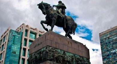 monumento-general-jose-artigas-2