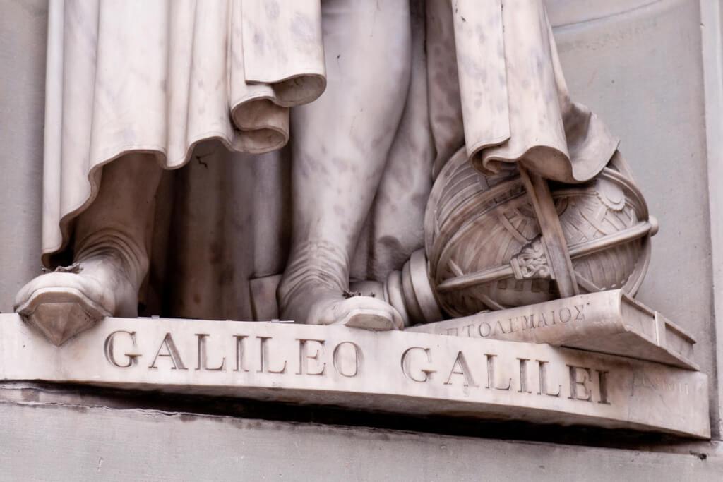 Eppur si muove: La Leyenda de Galileo por Dr. William E. Carroll