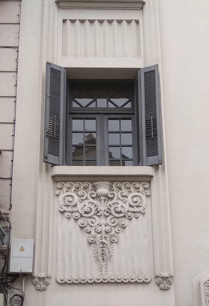 Cardo de balcón