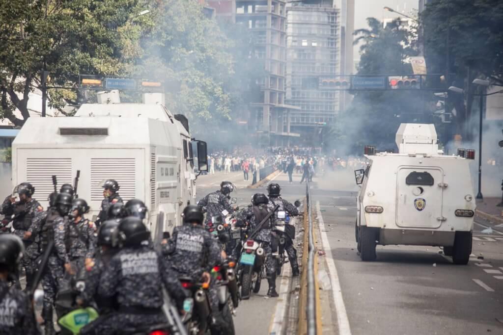 El Parlamento rebelde por Luis Nieto