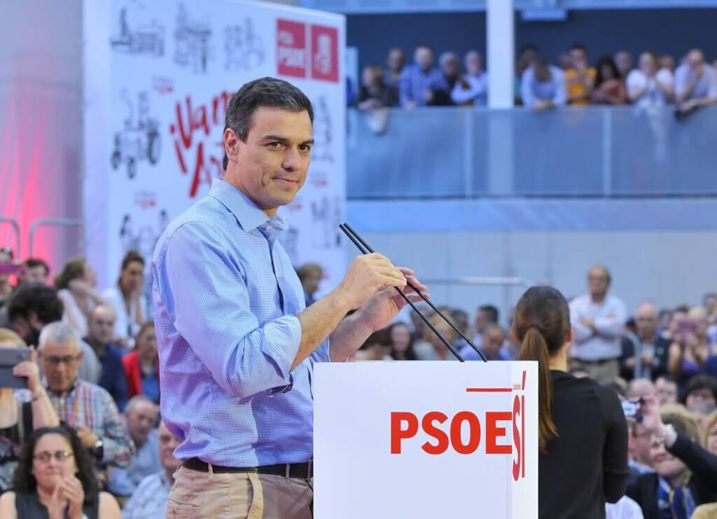 España con San Vito  por Rubén Montedonico