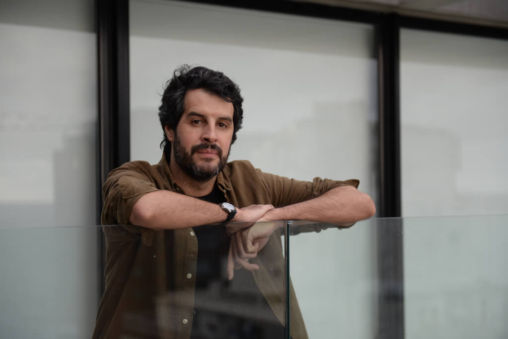 """Jorge Castrillón, periodista español: """"Nos extraña que los uruguayos se quieran tan poco"""""""