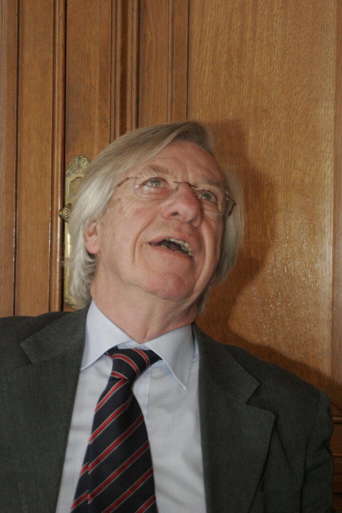 Socialistas y liberales, uníos por  Ignacio De Posadas