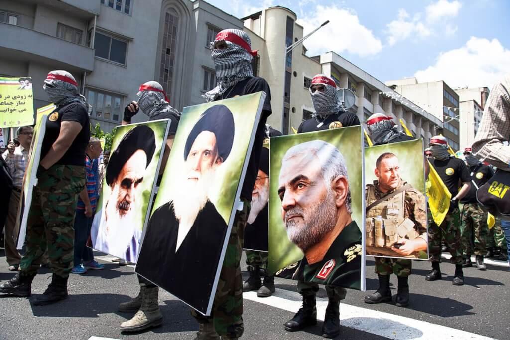 Relaciones internacionales: Con autoritarios ¿nada?