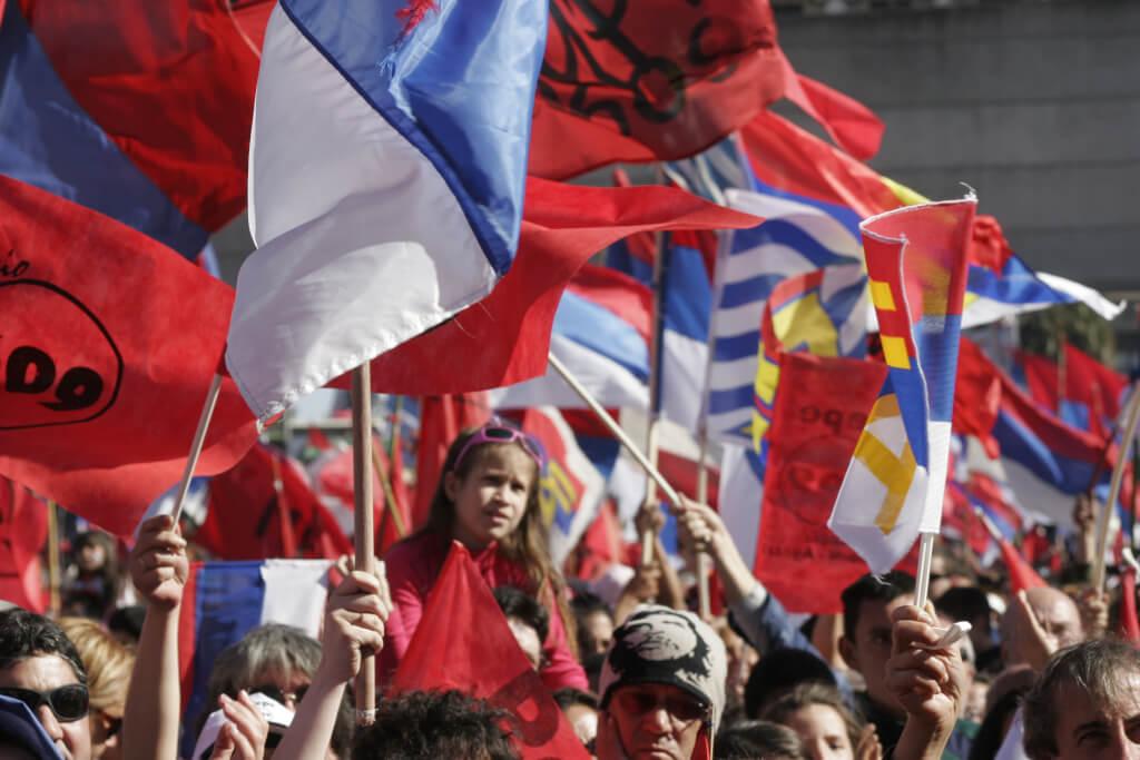 América Latina: Fuegos de octubre por Marcel Lhermitte