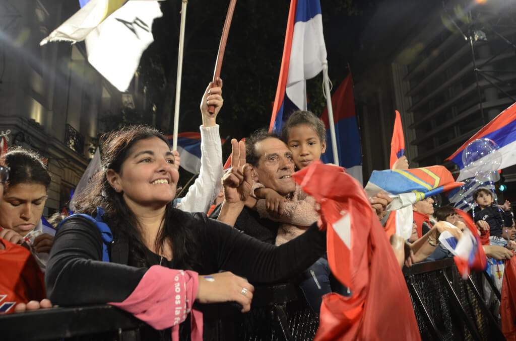 "Uruguay: la reforma ""duerme afuera"" por Ruben Montedonico"