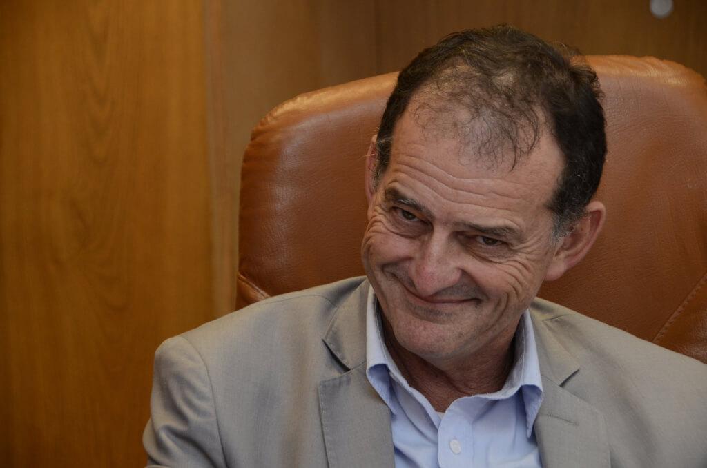 Guido Manini Ríos, senador:  Nazis, fascistas, partido militar, un engendro del Pepe. En un año fuimos de todo.