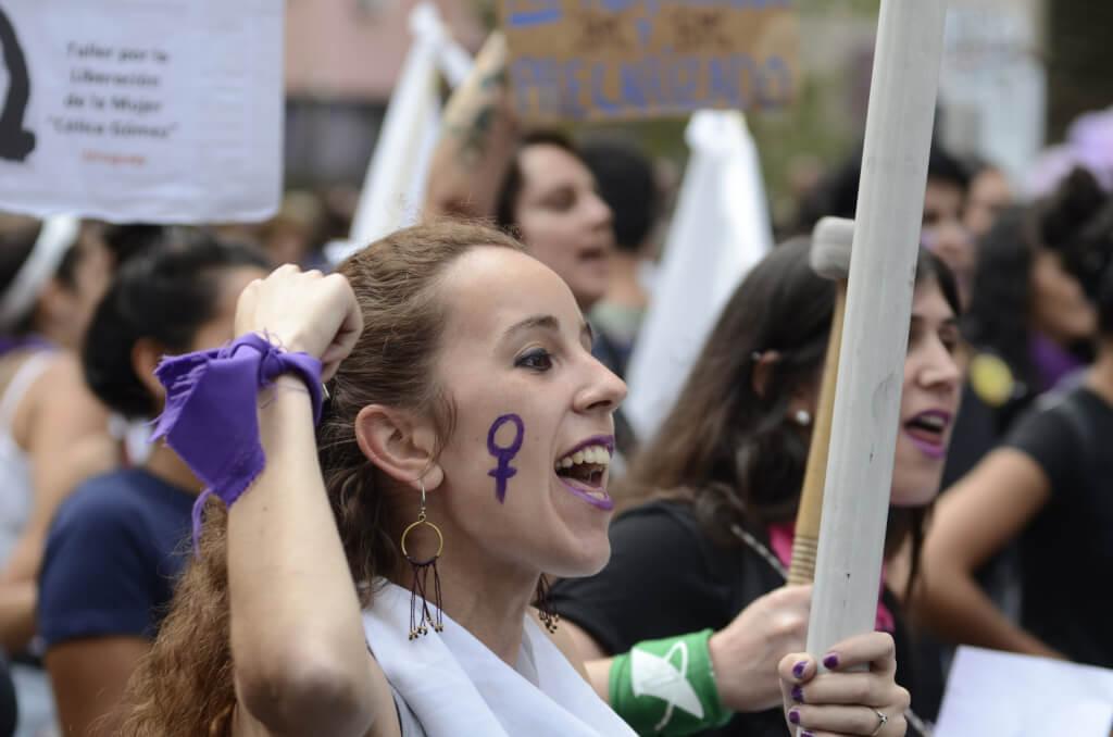 La misa interreligiosa, el arma no letal el 8M o…  por Cristina Morán
