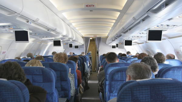 Como en el avión: ¡NO!  por Ignacio De Posadas