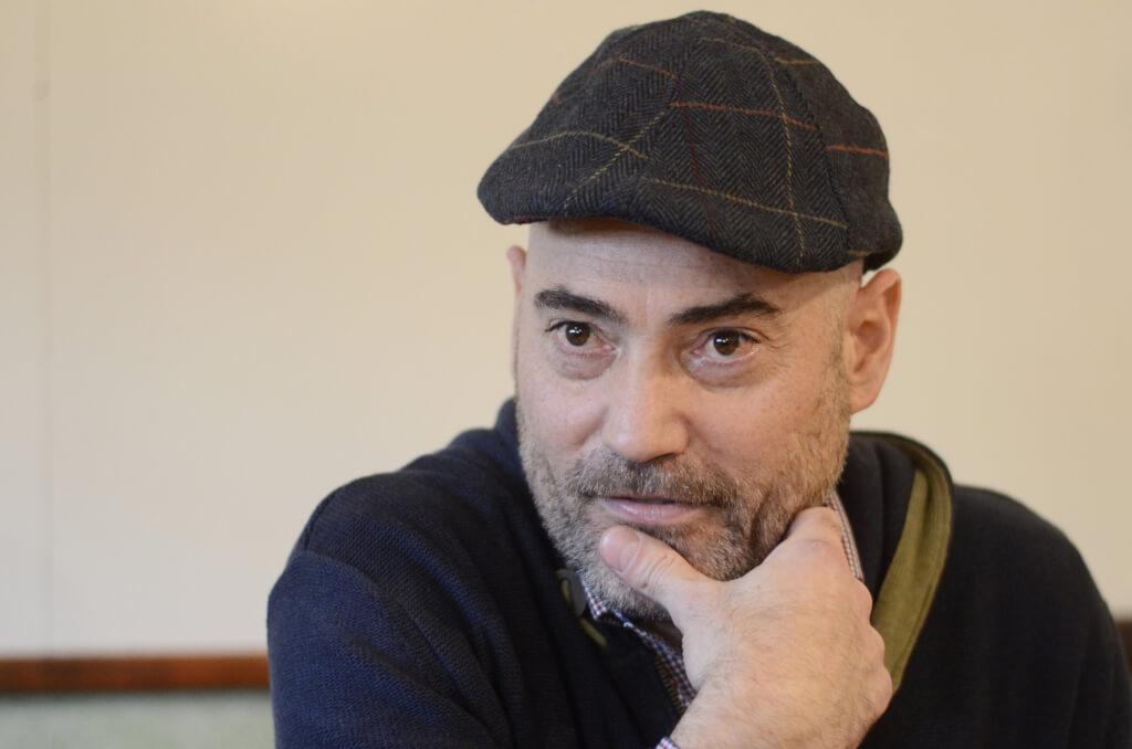 """Santiago Abadie, Profesor de Filosofía  """"Vivimos en una sociedad de rendimiento, donde nos autoexplotamos"""""""