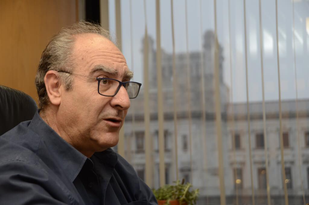 Gustavo Olmos, diputado:  No quiero que el feminismo sea frenteamplista