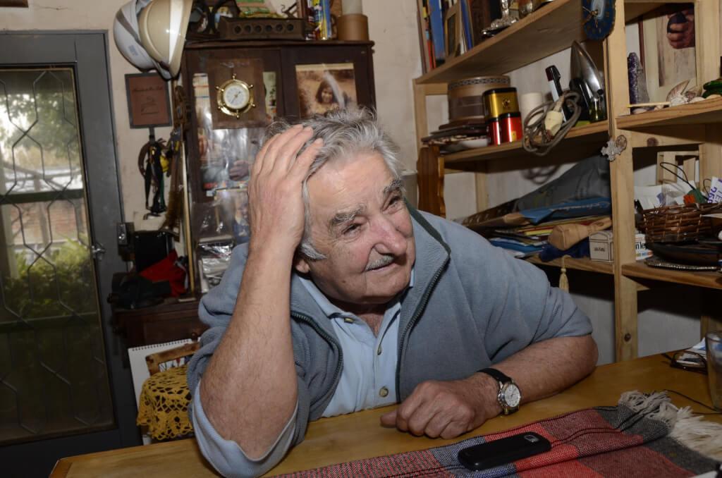 Desde el enojo de Laura, la ofensa de Mujica, los viajes de Toma Luis Suárez y algo más  por Cristina Morán