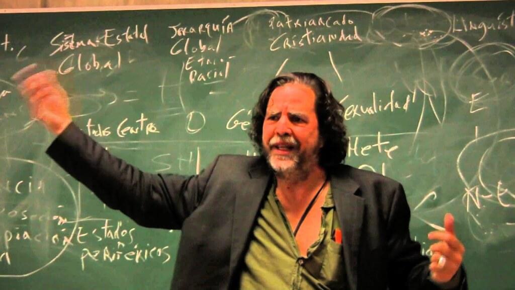 """BIBLIOTECA DE PENSAMIENTO CRÍTICO : """"Andar preguntando"""" y el giro decolonial * Por Isabel Sans"""