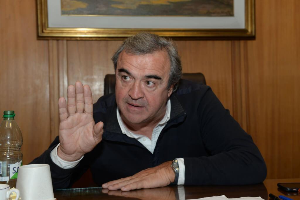 La exacerbada bipolaridad de un ministro  por Hugo Acevedo