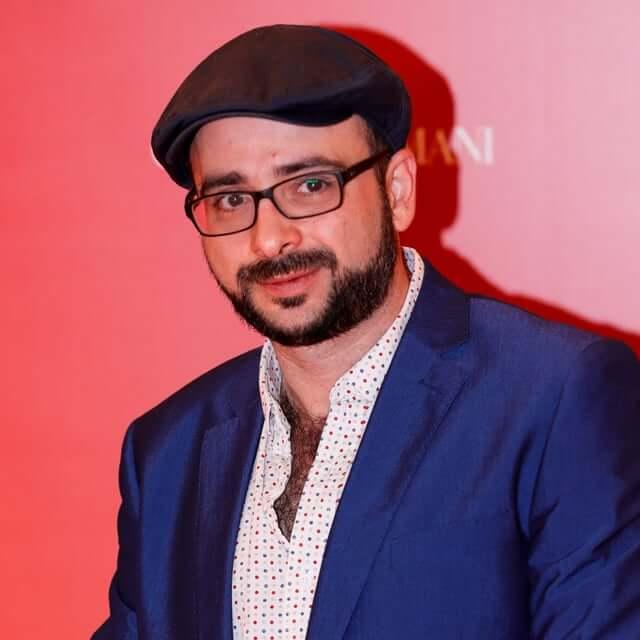 Carlos Morelli estrenó su nuevo film: El Cumple»