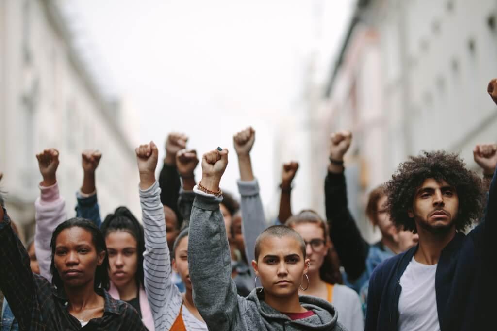 Hacia una teoría y práctica anti imperialista y socialista por Julio Louis