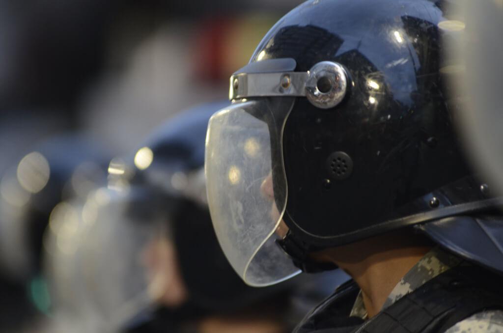 El abuso de poder prostituye la democracia  por Hugo Acevedo