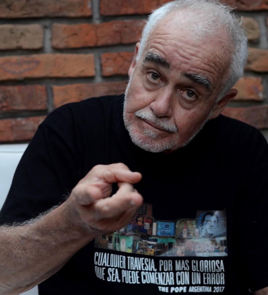 """CÉSAR CHARLONE, CINEASTA  """"Me dijeron cuando llegué: 'En Brasil no hay racismo porque el negro sabe su lugar'""""."""