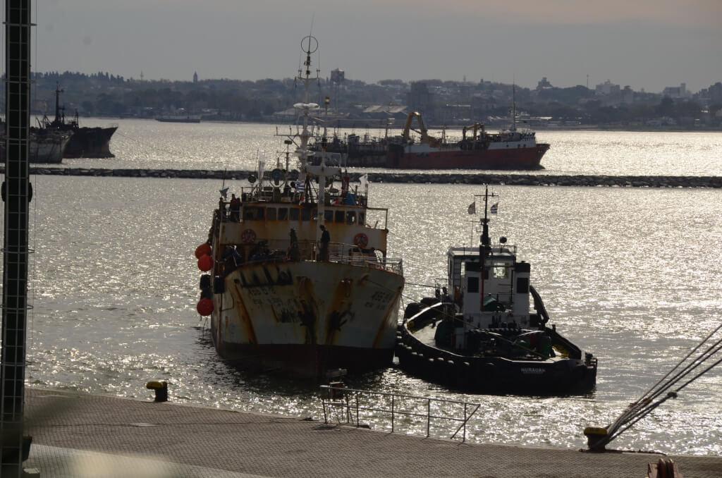 Centralismo portuario de Montevideo y Buenos Aires por Carlos Alcántara