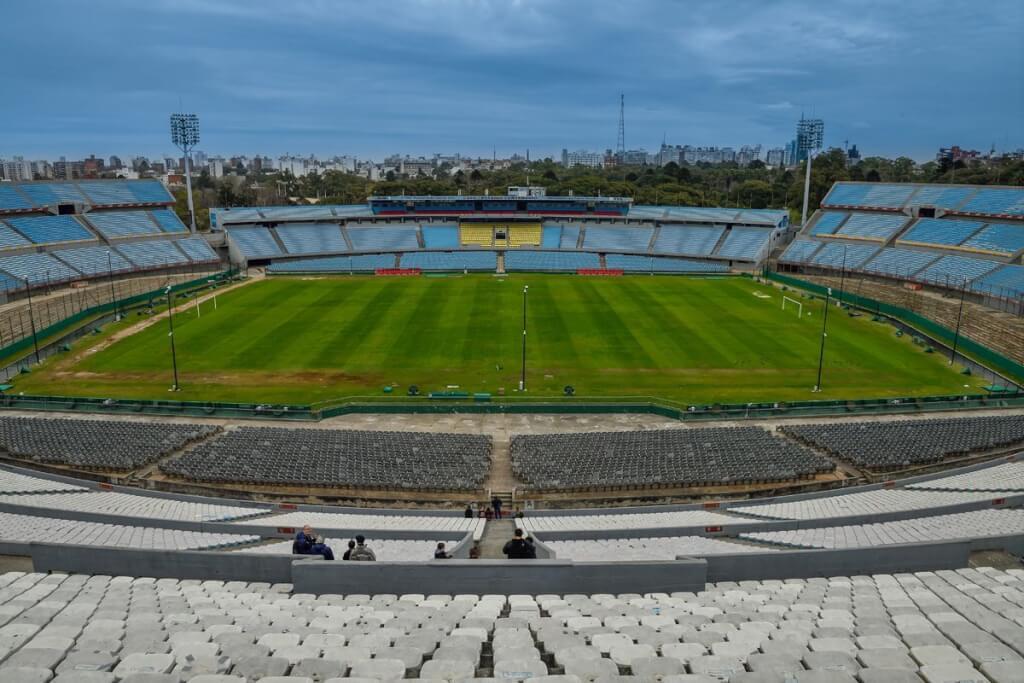 OLÍMPICA SIN NUMERAR: Ayer pasé por el Estadio  por Gerardo Tagliaferro
