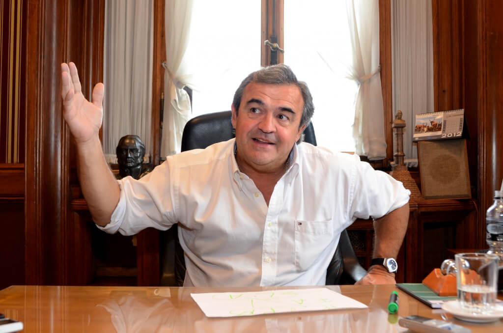 De la austeridad a la burda irresponsabilidad  por Hugo Acevedo