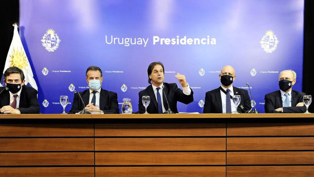 El año en que vivimos presos de la duda por Luis Nieto