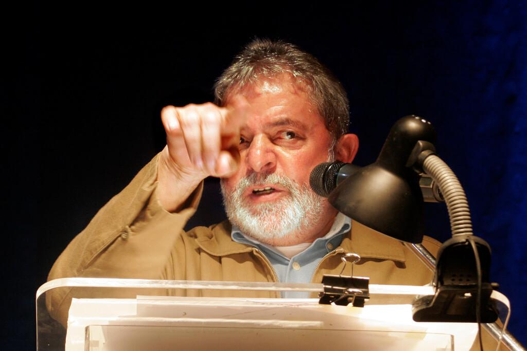 Entre Lula y un golpe de Estado     Ruben Montedonico