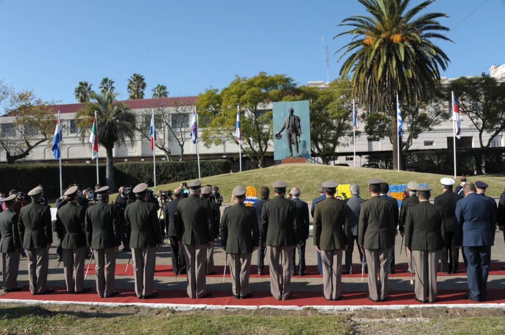 Estudios militares y mentiras por Juan Martín Posadas